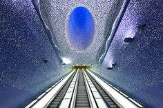 La estación de metro más impresionante de Europa, obra de Oscar Tusquets | Decoratrix | Decoración, diseño e interiorismo