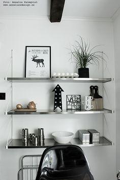 "Cirkuslampa pil, city trivet Varberg, poster ""Styckningsdschema hjort"" finns i webbutiken: www.anneliesdesign.se"
