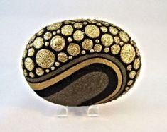 3 D objet d'Art peint Rock signé à la main Unique par IshiGallery