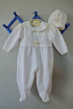 Vintage Baby Clothes  Knit Footed Onesie with Daisy by NellsNiche, $20.00
