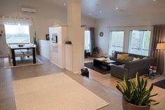 Rinnetalo, portaat olohuoneeseen, Contemporary, Sims Building, Decor, House, Living Room, Home, Contemporary Rug, Modern, Home Decor