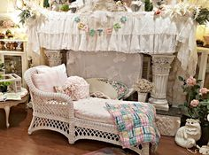 Penny's Vintage Home: White Wicker Chaise Lounge