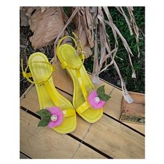 """60 Likes, 1 Comments - Sofisticata ~ Hirjalda Mobley (@sofisticata_couture) on Instagram: """"Spring / Summer Wedding Pink Flowers Shoe Clips! .... • • • Come and get 100's of #Fashion…"""""""