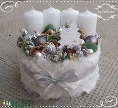 Havas fenyòk adventi box - by fabkata Christmas Advent Wreath, Gold Christmas, Holiday Wreaths, Christmas Time, Christmas Crafts, Victorian Christmas Decorations, Xmas Decorations, Advent Candles, Flower Boxes