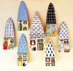 Wooden houses, hand painted by acrylic paint. A final coat of varnish protects the color. Measure: height approx all pcs have thick by Viljocenne--Italy. Clay Houses, Ceramic Houses, Miniature Houses, Wooden Houses, Painted Houses, Stone Painting, House Painting, Painting On Wood, Painted Rocks