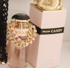 Signature scent,Prada Candy its such a yummy fragrance.The main accords include caramel,musky,balsamic and warm spicy. Luxury Fragrance - http://amzn.to/2iFOls8
