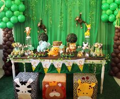 Baby shower ides for girls themes safari Ideas Pop Baby Showers, Baby Shower Gifts For Boys, Baby Shower Decorations For Boys, Baby Shower Themes, Baby Boy Shower, Shower Ideas, Jungle Theme Parties, Jungle Theme Birthday, Safari Party