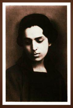 Μαρία+Πολυδούρη+|+Η+μποέμ+ζωή+της+ποιήτριας+και+ο+Κώστας++Καρυωτάκης Greek Culture, Mona Lisa, Literature, Artwork, Philosophy, Spirit, Literatura, Work Of Art, Auguste Rodin Artwork