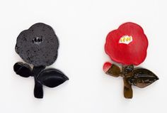 石本藤雄展 布と陶に咲く花 Paper Clay Art, 3d Artwork, Plant Illustration, Japanese Art, Scandinavian Design, Cool Art, Art Pieces, Jewelry Design, Pottery