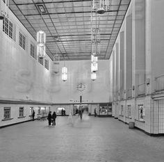 Berlin Ostbahnhof Schalterhalle 1977