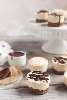 Gluten-free Dairy-free Mini Cheesecakes // @tastyyummies // www.tasty-yummies.com