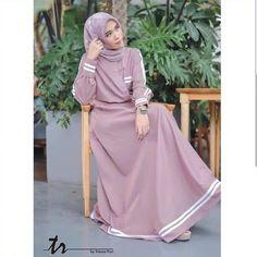 Jb RESYITA DRESS Price: Material: Moschcrape that is soft and falling and cold, and com Muslim Women Fashion, Islamic Fashion, Mode Abaya, Mode Hijab, Girls Maxi Dresses, Trendy Dresses, Abaya Fashion, Fashion Outfits, Muslim Long Dress