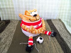 Амигуруми: Кот - Футболист. Бесплатная схема для вязания игрушки. FREE amigurumi pattern. #амигуруми #amigurumi #схема #pattern #вязание #crochet
