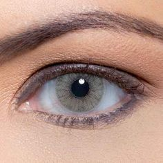 The Hidrocor Colour has NO limbal ring, which also means no dark ring on the outer edges of the lenses. It is the most opaque in all 3 types of Solotica Lenses. Sky Blue Eyes, Aqua Eyes, Light Eyes, Gray Eyes, Natural Color Contacts, Best Colored Contacts, Hazel Color, Eye Color, Solotica Lenses