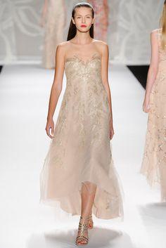 Es una propuesta de vestido de fiesta pero la validamos como vestido de novia. De Monique Lhuiller (Colección SS 2014) #MBFWNY #vestidosdenovia #weddingdress