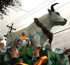 The Boeuf Gras, a permanent float in the Krewe of Rex parade that symbolizes feasting. Mardi gras in New Orleans