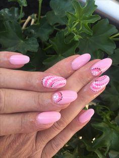 Pink nails NUGENESIS