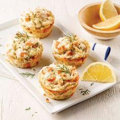 Mini-pains au saumon et pommes de terre - 5 ingredients 15 minutes - New Ideas Fish Recipes, Seafood Recipes, Healthy Diet Recipes, Cooking Recipes, Mini Pains, Muffins, Fish Dishes, Fish And Seafood, Finger Foods