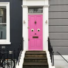 Buenos días!!  #pippas #inspiracionpippas #London #pinkdoor #pink by pippasstore