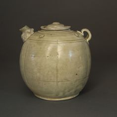 Vietnamese ewer with pale green glaze 13th-14th century with decorated spout
