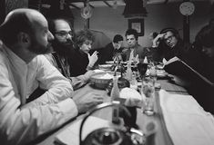 Lawrence Ferlinghetti, Allen Ginsberg, Bob Dylan and Peter and Julian Orlofsky photographed by Ettore Sottsass, San Francisco, 1965 Generation Photo, Beat Generation, Peter Yarrow, Blood On The Tracks, Lawrence Ferlinghetti, Allen Ginsberg, Folk Festival, Jack Kerouac, Before Midnight