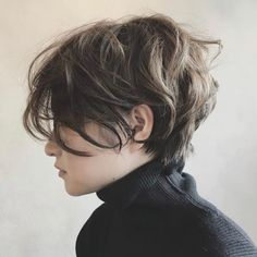 Inverted Bob for Thin Hair - 40 Banging Blonde Bob and Blonde Lob Hairstyles - The Trending Hairstyle Short Hair Tomboy, Messy Short Hair, Short Hair With Bangs, Short Hair Cuts, Messy Pixie, Pixie Cuts, Tomboy Hairstyles, Short Hairstyles For Thick Hair, Lob Hairstyle