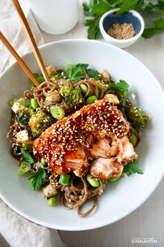 Maple Glazed Salmon with Soba Noodles, Broccoli & Edamame - - A delicious bowl made of Japanese-style soba noodles, broccoli, and edamame, topped with an easy maple glazed salmon. So tasty and satisfying! Healthy Salmon Recipes, Fish Recipes, Seafood Recipes, Asian Recipes, Dinner Recipes, Cooking Recipes, Japanese Recipes, Recipies, Edamame