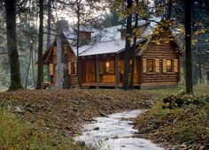 Beautiful mansion log cabins rustic cabin in the woods casas Log Cabin Homes, Log Cabins, Rustic Cabins, Cabin In The Woods, Little Cabin, H & M Home, Rustic Cottage, Small Rustic House, Cabins And Cottages