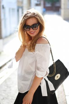 Top, ZARA / Skirt, H&M / Sunglasses, TOM FORD /  Bag, MULBERRY // Jenni Ukkonen