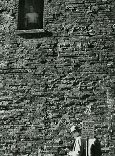 © André Kertész - Watching from above