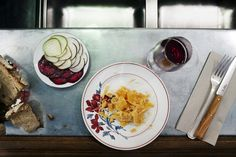 Restaurant La Buvette, rue Saint-Maur Paris Craving : Wine bar / Cave à manger. The extras : Open Sunday, Take-away, Antidepressant. Candy Recipes, Wine Recipes, Saint Ambroise, Pray For Paris, Paris 11, Paris Food, Restaurant Names, Paris Restaurants, Small Plates