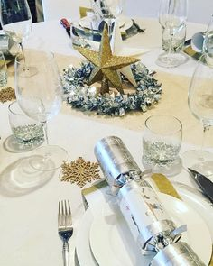 #ChristmasTableIdeas – Photo Deets: @lisaslittlehome Getting a start on the first table for tomorrow night , so far I'm pretty organised , our first house guests arrive at midday tomorrow so I need to be organised , wish me luck  . Hope you're all enjoying this fun time with family and friends , Merry […]