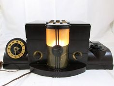 RARE!! Vintage 1938 AIRITE Desk Set Radio 4010 w/ Waltham Clock Bakelite Case NR