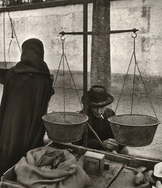tytusjaneta:  Jean Dieuzaide Portugal, Évora, le marché, 1954