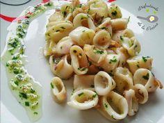 Descubre cómo preparar Calamares con ajo y perejil de manera fácil y sencilla. Aprende a cocinar con Recetas Fáciles y Reunidas