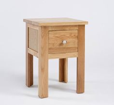 http://www.bonsoni.com/lansdown-oak-1-drawer-lamp-table  This Bonsoni Ludlow Oak One Drawer Lamp Table - Crafted from solid American Oak and carefully-selected Oak veneers's EAN code is 0790683115763 and the weight of this product is 11.00kg.  http://www.bonsoni.com/lansdown-oak-1-drawer-lamp-table