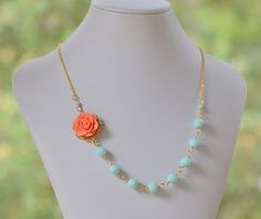Coral Rose Statement Necklace with Seafoam Mint por RusticGem