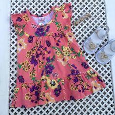 Nós amamos estampa florais! Mamães, montamos um lookinho para as meninas desfilarem nas férias. É só conferir: ✅ Vestido Orquídeas - www.purezababy.com.br/vestido-brandili-malha-orquideas ✅ Sapatilha - www.purezababy.com.br/sandalia-babyi-branca-coracao