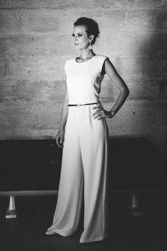 Unsere Marlene, der Overall Hochzeit in tollem Krepp ist perfekt für modebewusste, moderne und selbstbewusste Bräute von heute!