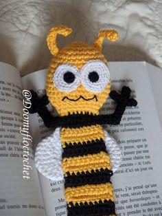 Marque pages abeille en coton au crochet
