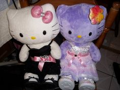 2 Hello Kitty Build-a-Bears