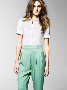 """""""In this image: Shirt (5AWR5Q095); Trousers (4I0KS5273). Spring/Summer 2013 United Colors of Benetton Woman collection."""""""