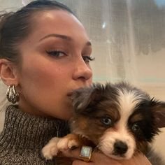 dogs x Bella Hadid Isabella Hadid, Bella Gigi Hadid, Bella Hadid Makeup, Retro Aesthetic, Urban Aesthetic, Baby Dogs, Doggies, Looks Cool, Kendall Jenner