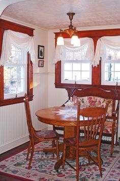 Open Gates Farm Bed & Breakfast | Kitchen Breakfast Nook
