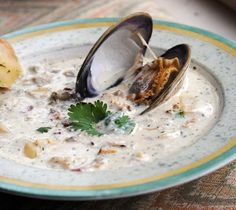 - The Chart House Clam Chowder (Copycat) Including Spice Blend The Cliff House Clam Chowder, including their Spice Blend. This soup has been served at the Cliff House in Ogunquit, Maine since Clam Chowder Recipes, Clam Recipes, Soup Recipes, Cooking Recipes, Recipies, Copycat Recipes, Asian Recipes, Salmon Recipes, Seafood