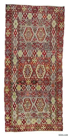 Vintage Esme Kilim around 60 years old and in very good condition. Esme is a very famous weaving village of Usak in the Aegean region.