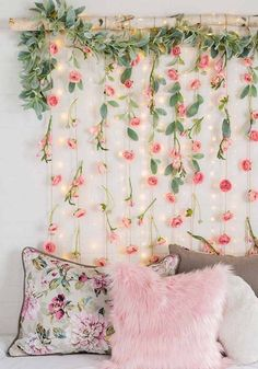 Ideas to decorate with paper flowers - Crafts . - Ideas to decorate with paper flowers – Crafts - Sala Floral, Floral Room, Floral Bedroom Decor, Paper Flowers Craft, Cute Room Decor, Girl Bedroom Designs, Bedroom Ideas, Room Goals, Aesthetic Room Decor