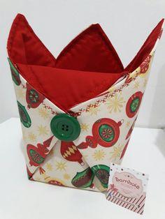 Porta panetone  Feito em tecido 100% algodão. Tamanho tradicional  Bambolecosturices@gmail.com
