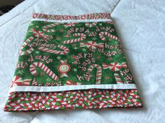 Candy Cane on Candy Cane Table Runner by TeaTimeQuiltsnMore on Etsy