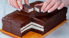 Sweet Cooking, Cake Toppings, Sweet Cakes, Something Sweet, Chocolate Cake, Deserts, Food And Drink, Candy, Recipes